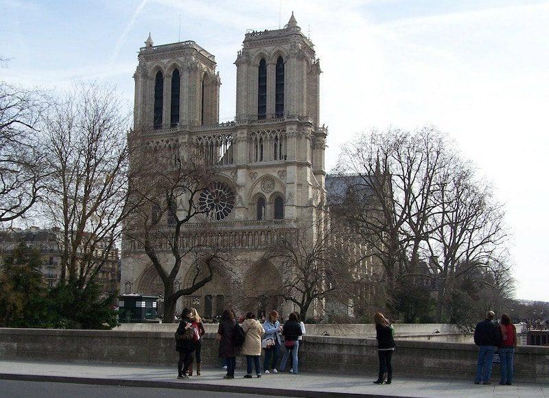 paris-71413_1280